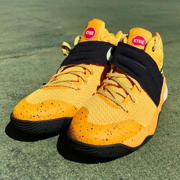 7f5c9d8ee8b8 Nike Kyrie 2 School Bus Grade School Shoes. M 5a83eeef2ab8c5a63f45dfaf